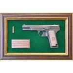 Панно с пистолетом ТТ